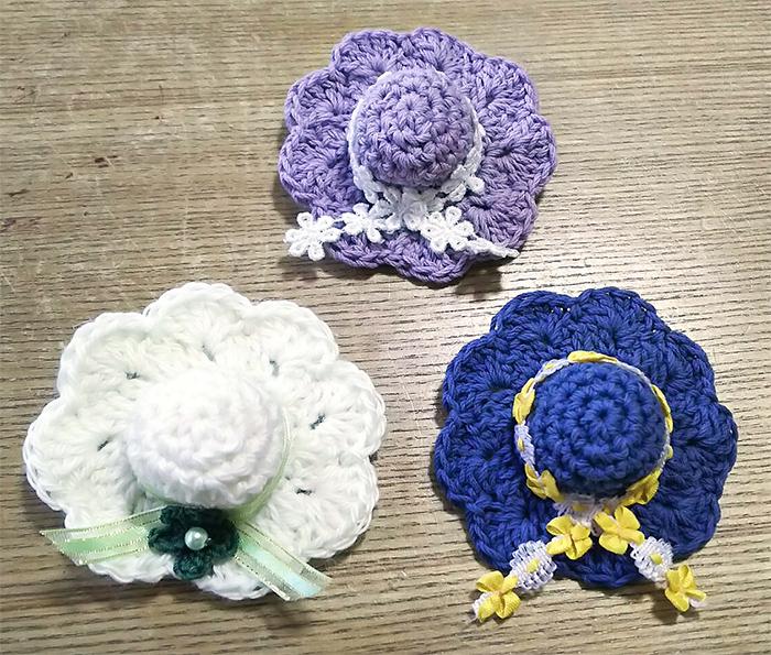 可愛いミニチュア帽子を編みましょう